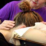 Masseren is ons vak - Aandacht ons kenmerk | Chair massage corporate and event also English spoken knuffeldag