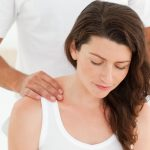 Stoelmassage Maureen Kessing contact 070 73 70 261 massage wat doet het
