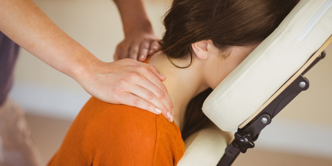 Stoelmassage op locatie | Chair massage corporate and event also English spoken Maureen Kessing 070 73 70 261