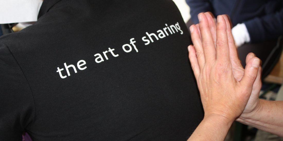 Wij verzorgen overal in Nederland stoelmassages op locatie community manager Wereld NGO Dag dag van de arbeid week van de werkstress